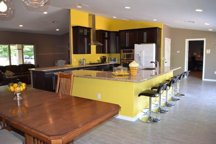 Modern Single Family Home Near Downtown Mesa
