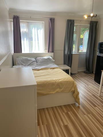 One Double room in the heart of Camberwell