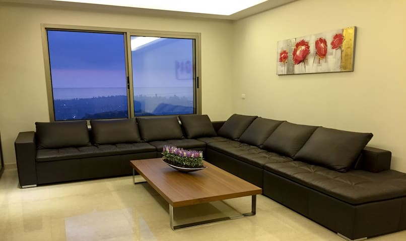 Cosy Apartment in Ain Saadeh (with view) - Beirut - Apartment