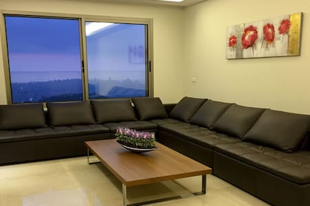 Cosy Apartment in Ain Saadeh (with view) - Bejrút