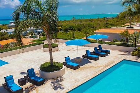 Modern One Bedroom Beach Suite La Vista Azul - The Bight Settlement