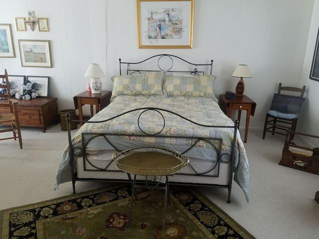 #4 - 2nd floor - master bedroom