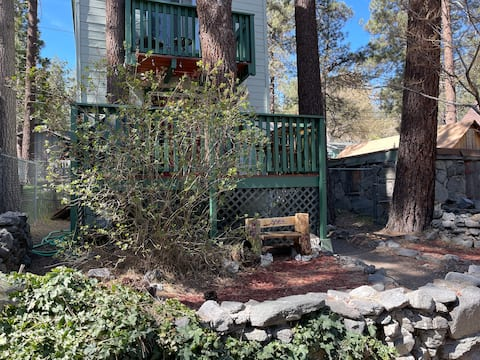 Wrightwood Hideaway! Family Cabin w/Adventure Pass