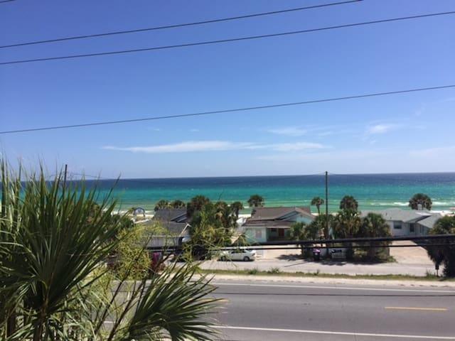 2BD / 2b with nice ocean view in Panama City Beach