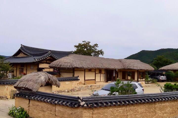 """ෆUNESCO""""하회마을내 위치""""청운재(구.가고파)황토방ෆhahoevillage ෆ한옥스테이"""