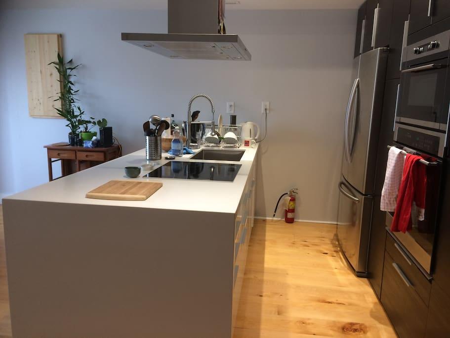 Full kitchen with new appliances: stove/oven/microwave/fridge/freezer
