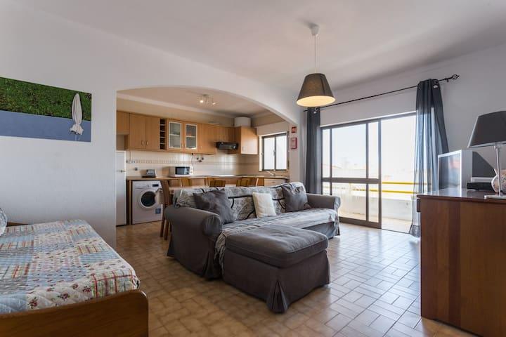 Apartment near the beach. T1 na Praia de Altura.