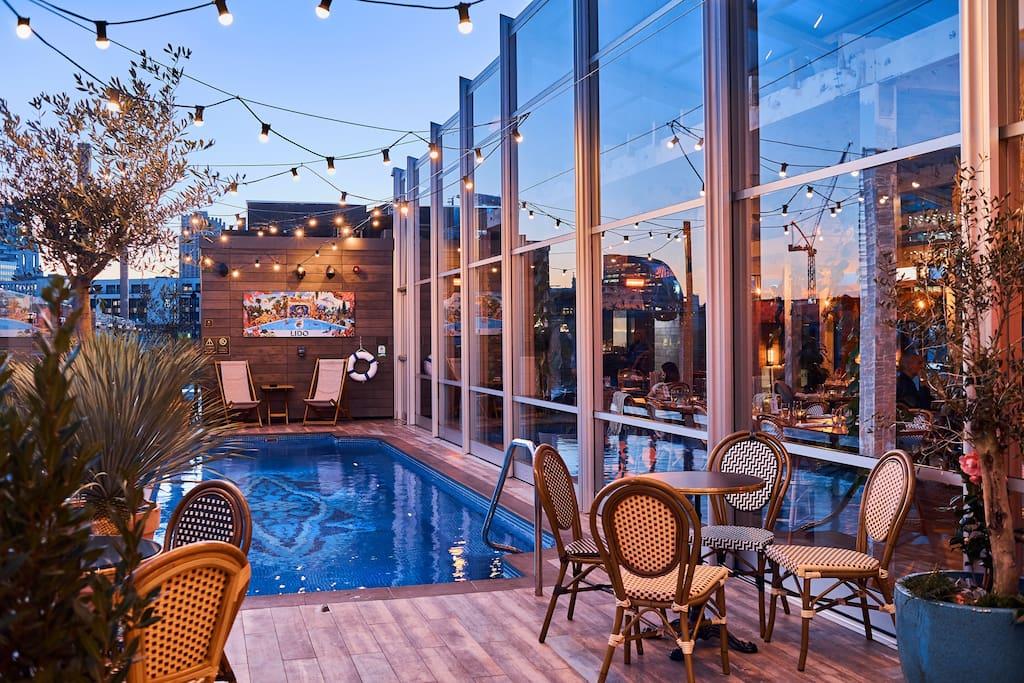 Lido Rooftop Pool
