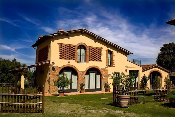 Tramonto - Montevarchi - Apartment