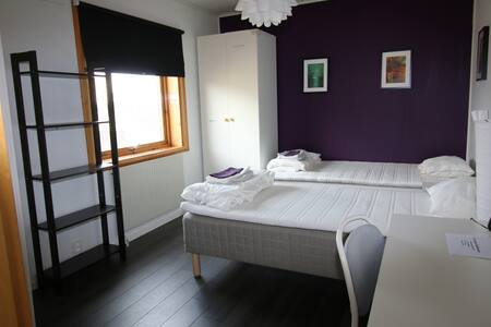 New Twin Room in a Villa 15 min from Stockholm