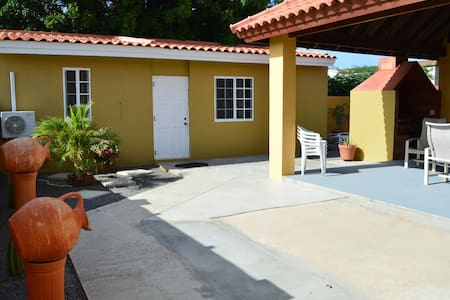NEW LISTING Nice apartment in a quiet neighborhood - Oranjestad