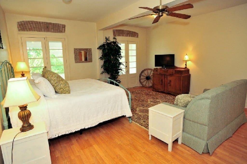 A historical escape apartments for rent in new braunfels for Apartments in new braunfels tx