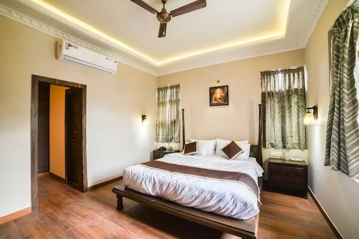 Luxury Room in Elegant Residential Locality