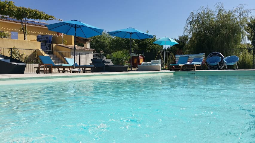 Le royaume des enfants, piscine séc - Cabrières-d'Aigues - Hus