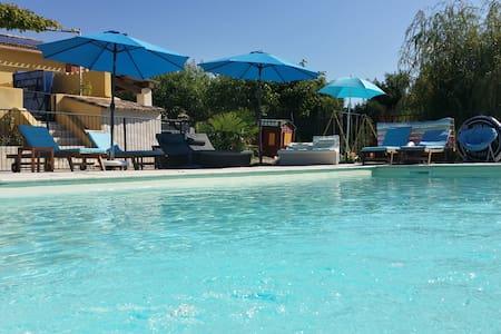 Le royaume des enfants, piscine séc - Cabrières-d'Aigues