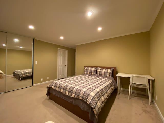 Deluxe Grand Room A (温舒主人房:空间宽敞明亮、尊享独立卫浴、超大的厨房)