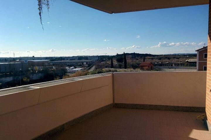 LUMINOSO AMPIO TERRAZZO - REBIBBIA - Roma - Apartment