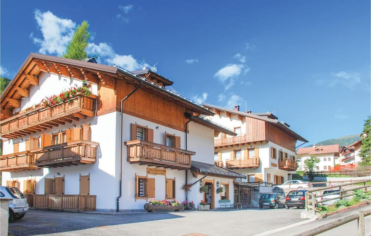 Holiday apartment with 1 bedroom on 45 m² in Caviola di Falcade BL