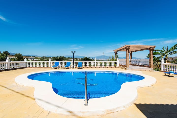 Air-Conditioned Home with Panoramic Mountain View, Pool, Terrace & Wi-Fi; Parking Available, Pets Allowed