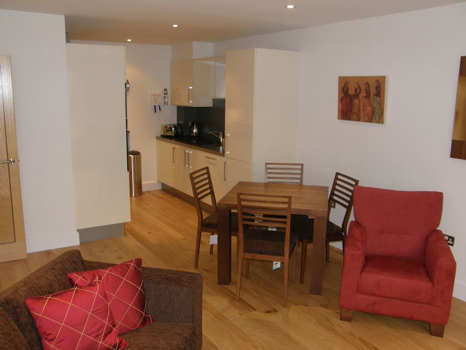 The Hamiltons 2 Bedroom Leisure Apartments For Rent In Cambridge United Kingdom