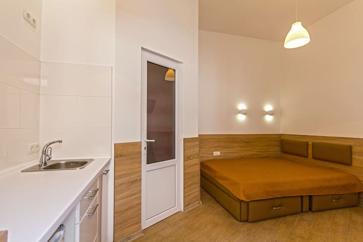 Apartment -smart in the center for couples
