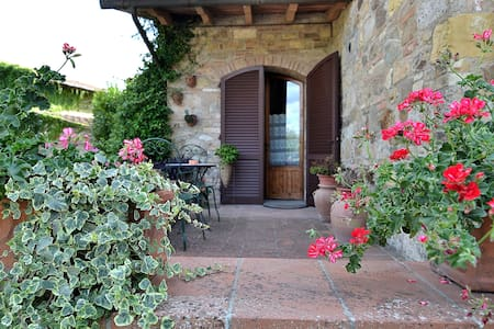 Btw Siena & Florence Your Tuscan House (Chianti) - Поггибонси - Дом