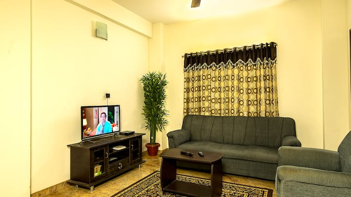 Royal Stay on Airport Road - 25 % Off
