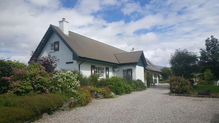B&B CreagMhòr Glen Urquhart Loch Ness