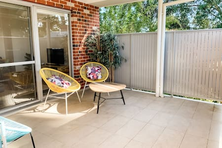 Isolation Ready.  Sanitised. Grocery Delivery. Tree Views.  Minutes to Swan Valley + Airport + DFO. Free WIFI + Parking