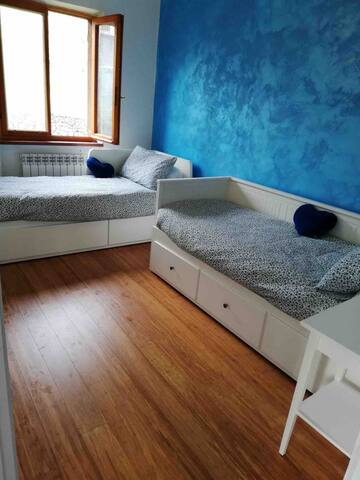 Camera con 2 letti singoli