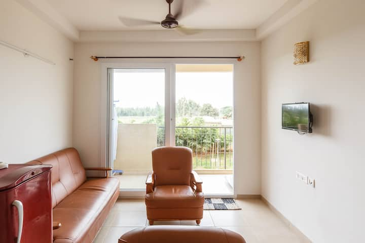 Private fully furnished 2BHK in Nikoo Homes