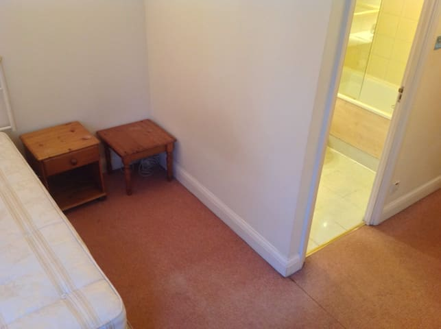 large double room in waterloo