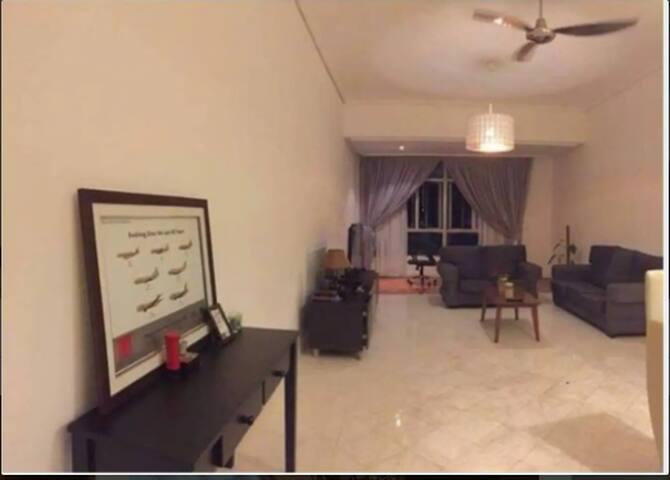 Single room - Suasana sentral Condominium