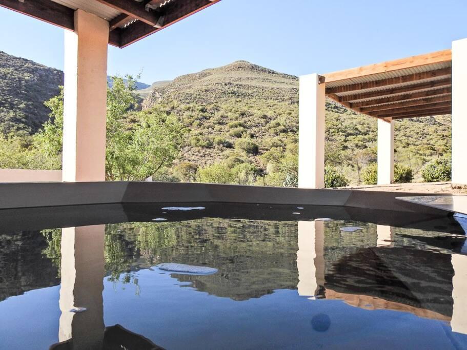 Steenbok Cottage – Wood-Fired Hot Tub 1