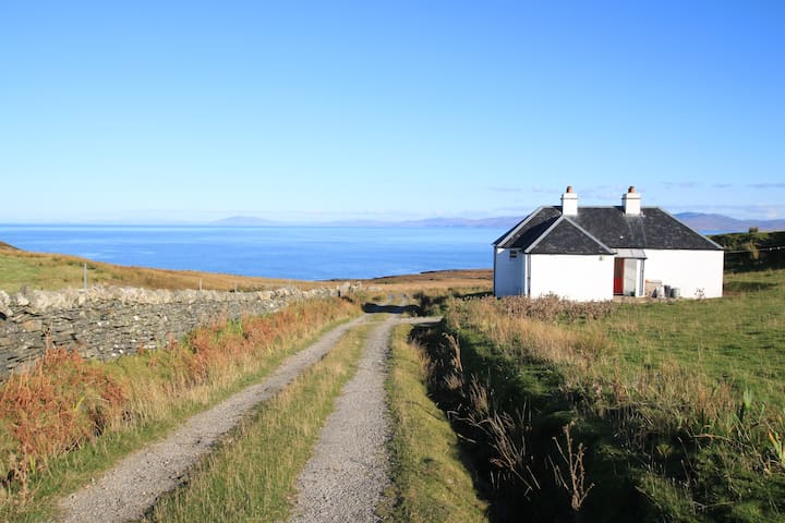 Crofter's cottage with sea views