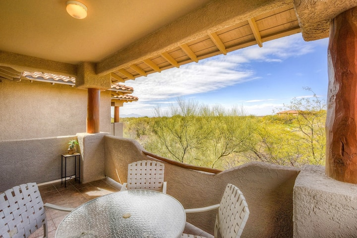 Dog-friendly condo with a shared pool, hot tub & mountain views!