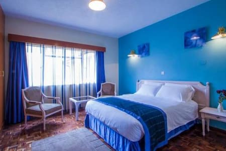Superior Room at Palm Tree B&B - Nairobi - Bed & Breakfast