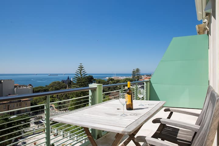 Sea View Penthouse 5 Mins Walk to Beach