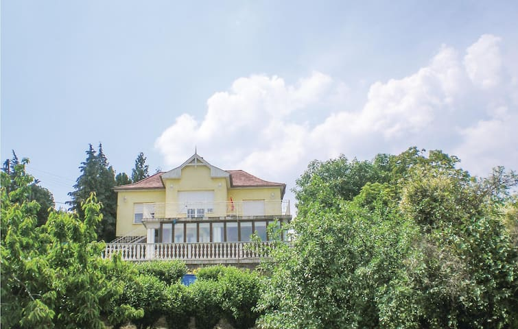 Holiday apartment with 2 bedrooms on 60m² in Balatonalmádi