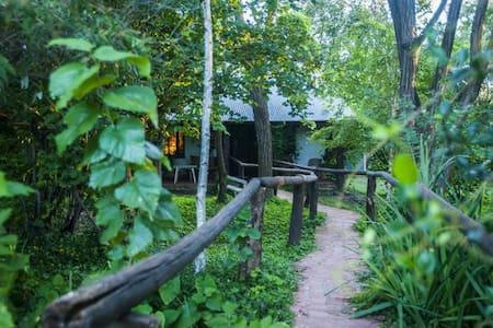 Hermosa cabaña Posada el Pucara - Yacanto - Cabaña
