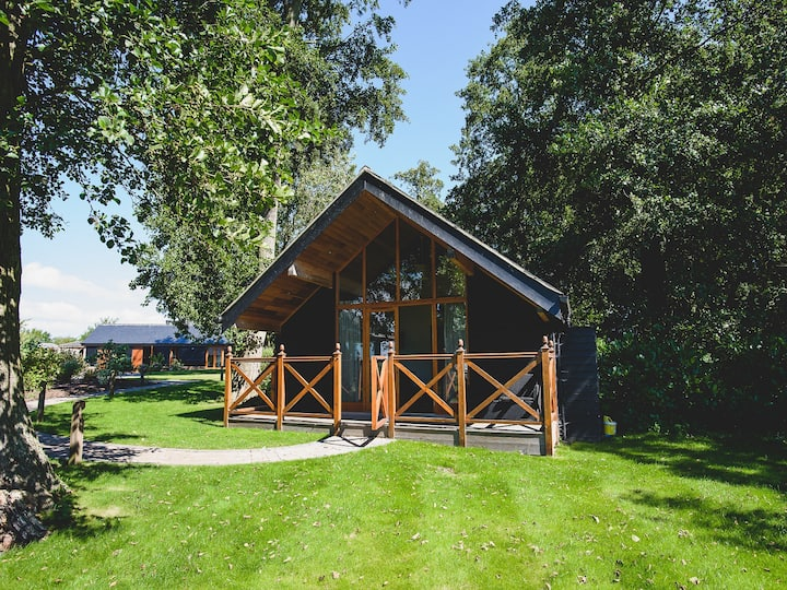 Stunning Lodge,  3 bedroom sleeping up to 8 people