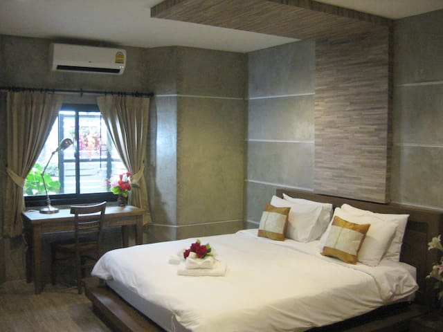 The Superior Double Room with garden view - Bangkok - Byt
