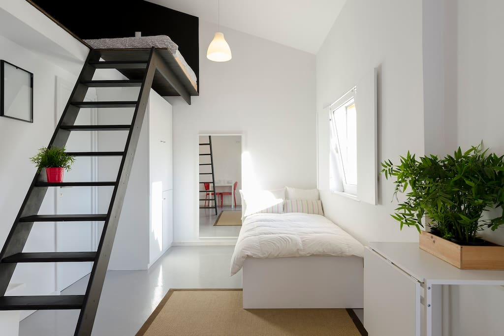 Single bed overview