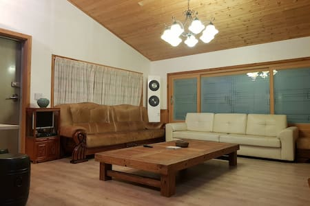 muju guest house big 3 bear room