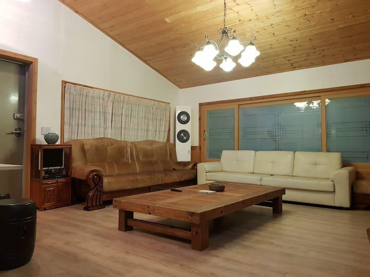 muju guest house big 3 bear room