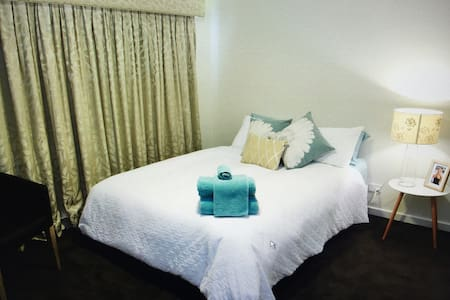 Fully Air Conditioned Renovated Townhouse