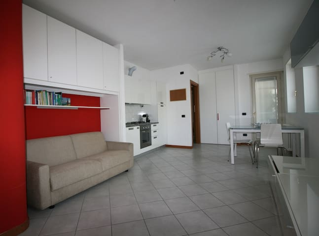 Nice studio apartament close to M1-Turro - Milán