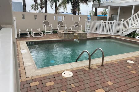 BEAUTIFUL CONDO IN SPI WALKING  FROM BEACH ACCESS