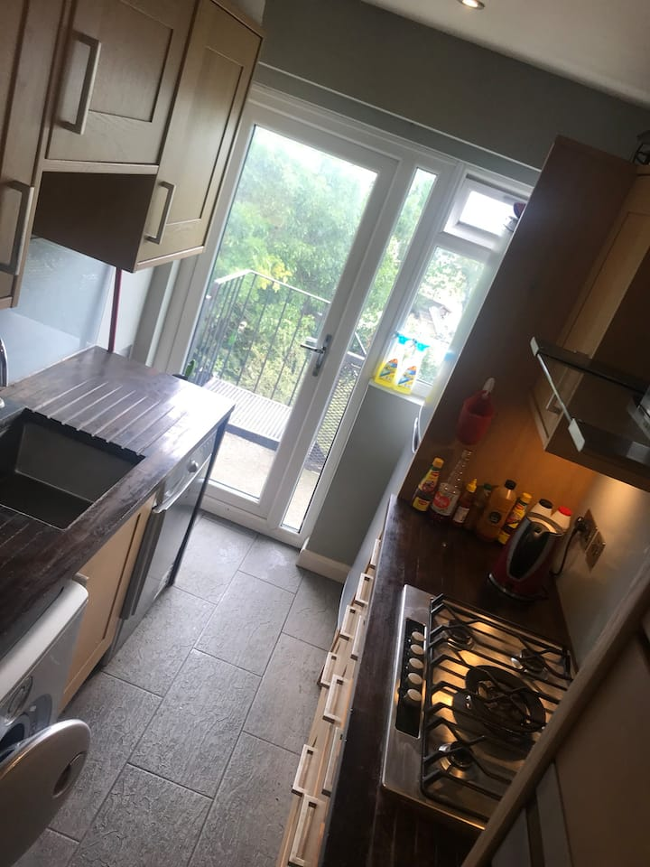 Osterley flat, 2 mins away from tube station