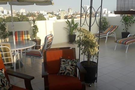 Habitación confortable en ático de Lima-Perú.
